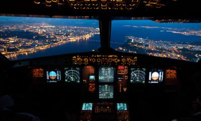 Her er arbejdspladsen for en erhvervspilot, set på en Airbus 320. Noget du kunne tænke dig?