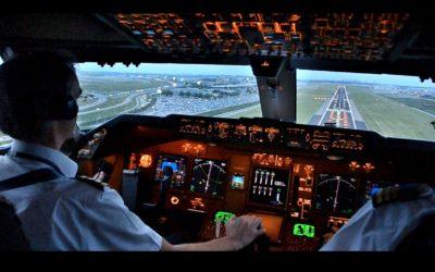Pilot der lander i Amsterdam